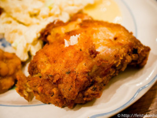 Top 10 Fried Chicken Spots in America!